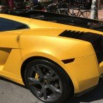 Although the picture does this no justice, this new yellow Lamborghini comes with a green ghost pearl in the paint job.